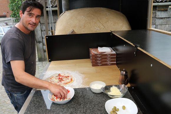 """Karl Copmans trekt met Den Pizzatrakteur Lille rond: """"Al was het vooral voor mezelf bedoeld."""""""