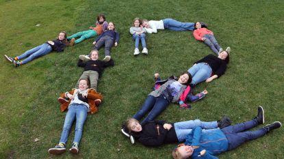 Twaalf jongeren van Theaterling op de planken met 'Twaalf'