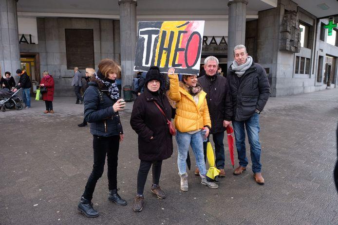 Amper vijf mensen daagden op voor de steunactie voor Theo Francken.