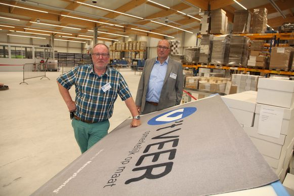 Voormalig directeur Herman Wenes (links) en huidig directeur Gunther Bamelis.