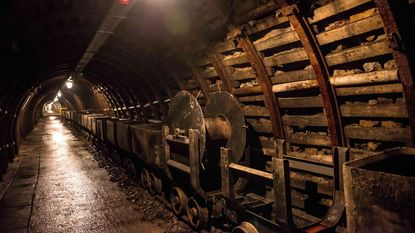 """Experts waarschuwen schattenzoekers: """"Mogelijk mijnen in nazitrein"""""""