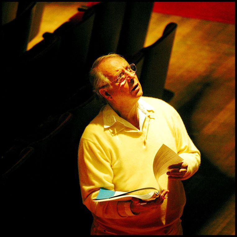 Karlheinz Stockhausen in 2002 in het Amsterdamse Concertgebouw. Beeld Patrick Post