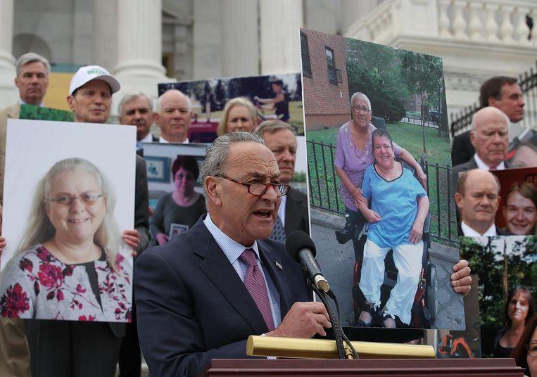 Op de trappen van het Senaatsgebouw werd gedemonstreerd tegen Trumpcare. Beeld null