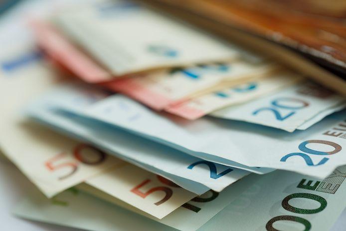 Vught geeft volgens een aantal partijen te veel geld uit.