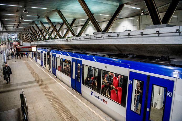 De RET wil graag een metro tussen Dordrecht en Den Haag.