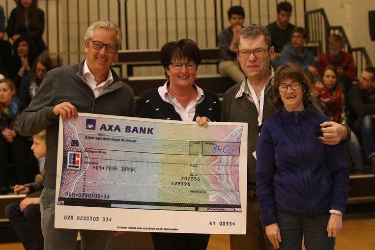 Volleyclub Par-ky Menen is gered - Anne Verhelst (tweede van links) komt weer nadrukkelijk in beeld