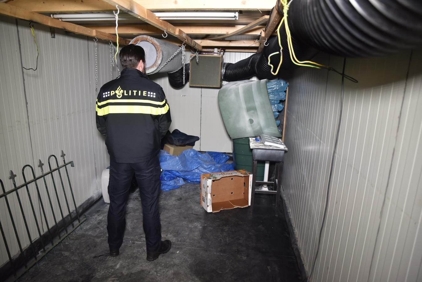 Het drugslab in een aanhanger aan de Churchilllaan in Tilburg.