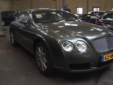 Fiscus verkoopt dure 'Haagse' auto's