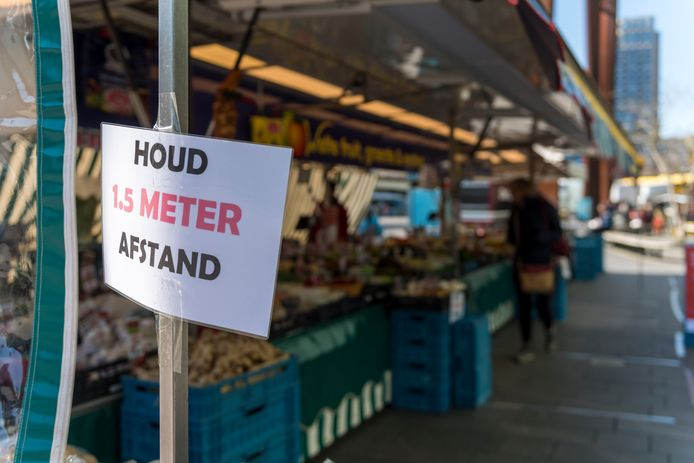 Sinds de oproep van premier Mark Rutte om elkaar aan te spreken op ongewenst gedrag, vliegen mensen elkaar om de haverklap in de haren. 'Kies niet voor de aanval. We zitten allemaal in hetzelfde schuitje.'