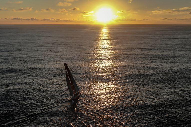 De Mapfre-boot op nog 100 zeemijl van Auckland. Beeld getty