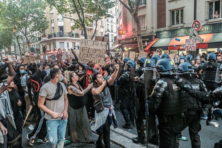 Ongeveer twintigduizend mensen gingen de straat op in Parijs, ondanks een verbod. Beeld Joris Van Gennip