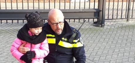 Politie Roosendaal bezorgt zieke Nikki (6) de dag van haar leven