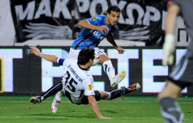 Dirar brengt het leer voor tegen PAOK.