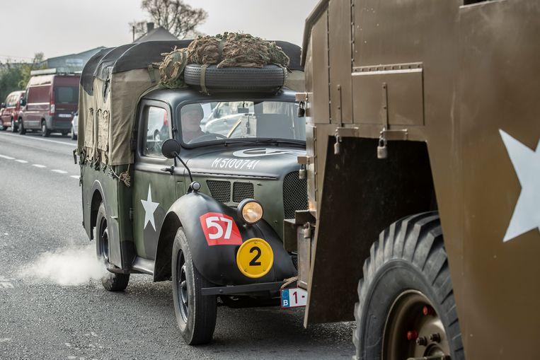 Ook enkele oude legervoertuigen waren aanwezig.