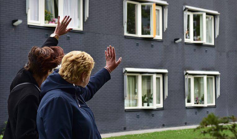 In verpleegtehuis De Tweemaster in Maassluis werd eind juni de bezoekregeling meteen weer stopgezet nadat bewoners besmet bleken met het coronavirus. Beeld Marcel van den Bergh