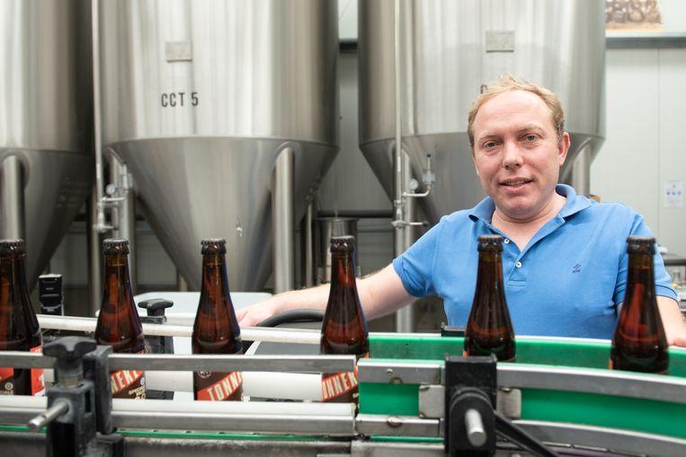 """""""Ook in onze brouwerij ligt en staat alles stil"""", zegt Frederik De Vrieze."""
