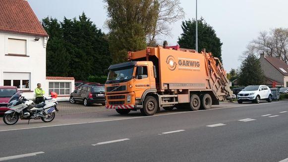 De vuilniskar van Garwig werd in de Ten Bogaerdelaan in Koksijde onderschept.