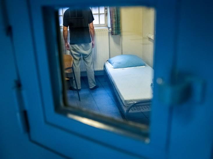 Verdachte wil in cel blijven:  'Om de kans op besmetting zo klein mogelijk te houden'
