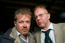 Verslaggevers van Radio Bergeijk Peer van Eersel (George van Houts) en Toon Spoorenberg (Pieter Bouwman)