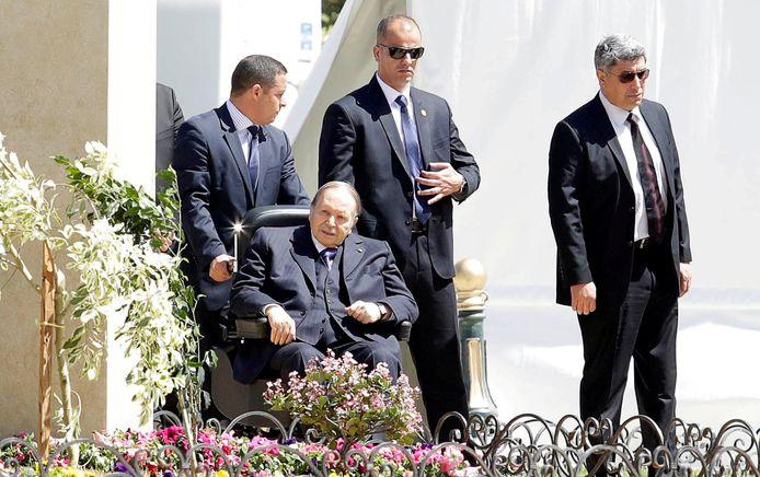 De Algerijnse president Abdelaziz Bouteflika bij een van de schaarse gelegenheden dat hij in het openbaar verscheen. Hier in april 2018.