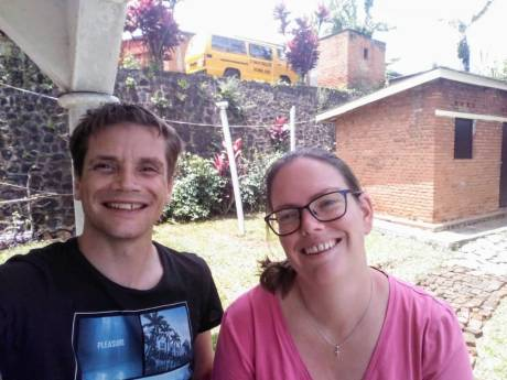 Rik en Caroline uit Zevenhoven zitten in 'onintelligente' lockdown in Rwanda