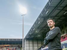 Van Bommel ziet veel balverlies en laag tempo bij PSV