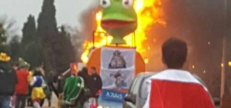 Carnavalswagen in Beek verwoest na brand