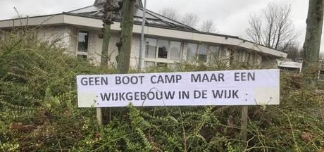 Protestbord tegen sportcentrum in Veldhoven