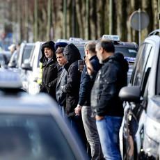 Alle taxi-chauffeurs van Nederland zijn ontevreden