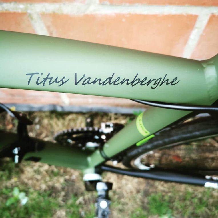 Bij schepen Natacha Waldmann (Groen) in Mariakerke, Oostende, werden drie fietsen gestolen. Het gaat om een zwarte stadsfiets, een zwarte elektrische damesfiets en groene koersfiets.
