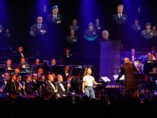 Militair orkest musiceert over de vrijheid in volle Steenwijker Meenthe