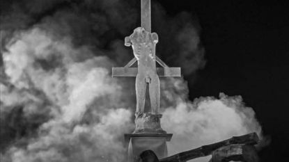 """Standbeeld Amenra niet welkom op Frans grondgebied, metalband misnoegd: """"Satanisch kunstwerk, dit? Te belachelijk voor woorden"""""""