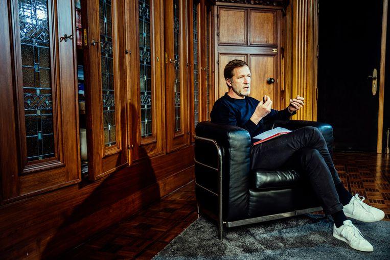 Paul Magnette: 'Eén keer per maand moet De Wever ons blijkbaar even vernederen. Natuurlijk maakt dat de basis van mijn partij extra gevoelig.' Beeld © Stefaan Temmerman
