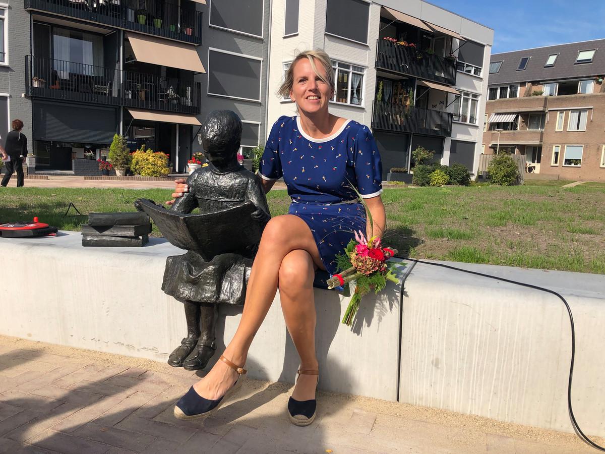 Lezend Meisje Halsteren met Annemarie van der Smissen.
