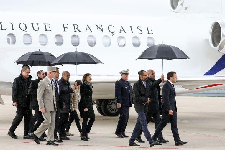 De Franse president Emmanuel Macron ontving de gijzelaars.