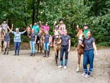 Kinderen met kanker vergeten hun ziekte met paarden