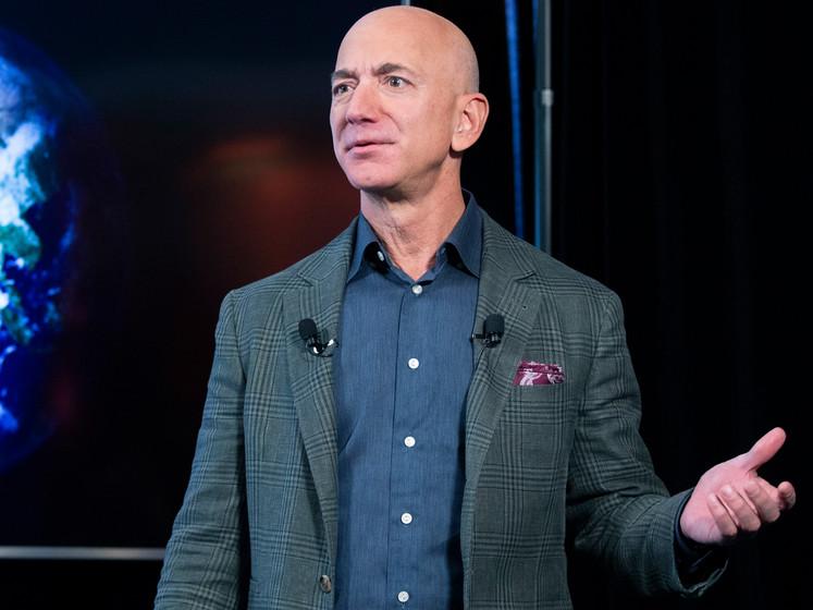 Amazonbaas Bezos trekt 10 miljard uit voor klimaat, maar wat doet Amazon zelf?