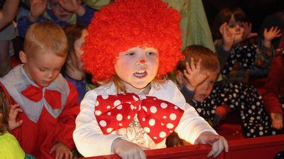 Leerlingen eventjes circusartiest