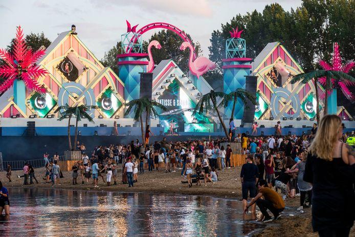 Het Lakedance-festival in Best, een van de evenementen waarvoor de firma Hoevenaars de techniek verzorgt.