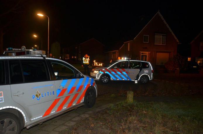 De politie in Keijenborg na het schietincident in december 2016.