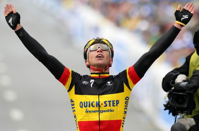 Devolder wint de Ronde van Vlaanderen in 2008 in de Belgische trui.