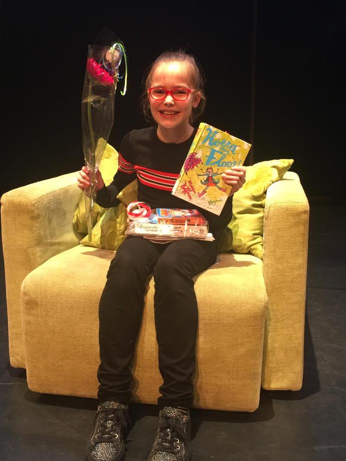 Iris van Beek tijdens de finale in de bibliotheek in Ermelo