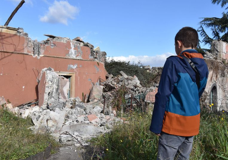 Verschillende gebouwen in de provincie Catania werden beschadigd door de aardbeving.