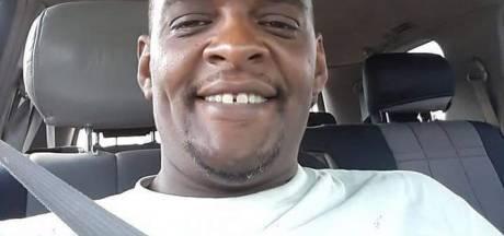 Agent schiet geboeide man (43) in zijn auto met zeven kogels dood: 'Mijn neef is vermoord'