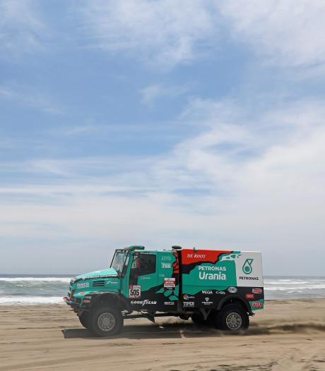 Dakar Rally blijft spannend na koninginnenrit, De Rooy moet etappezege inleveren