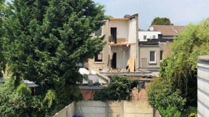 Muur stort in in Antwerpen: één lichtgewonde