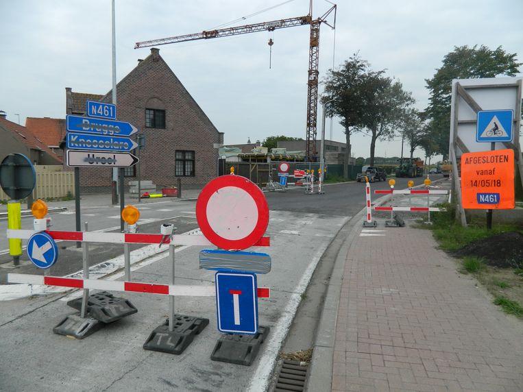 De baan tussen Ursel en Zomergem blijft nog langer afgesloten.