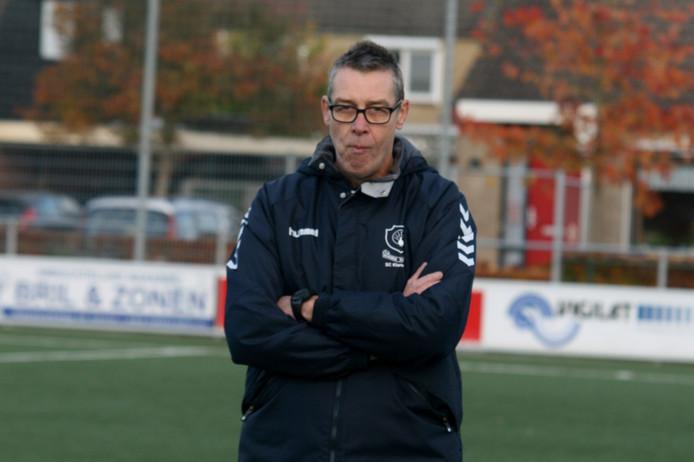 Trainer Jan Ligtenberg stopt na dit seizoen bij de vrouwen van Klarenbeek, maar hoopt nog wel op een nieuwe club.