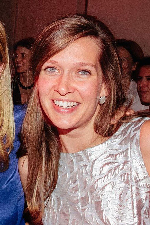 Ann-Laure Decadt uit Roeselare was op slag dood. Ze laat een man en twee zoontjes van 3 maanden en 3 jaar achter.