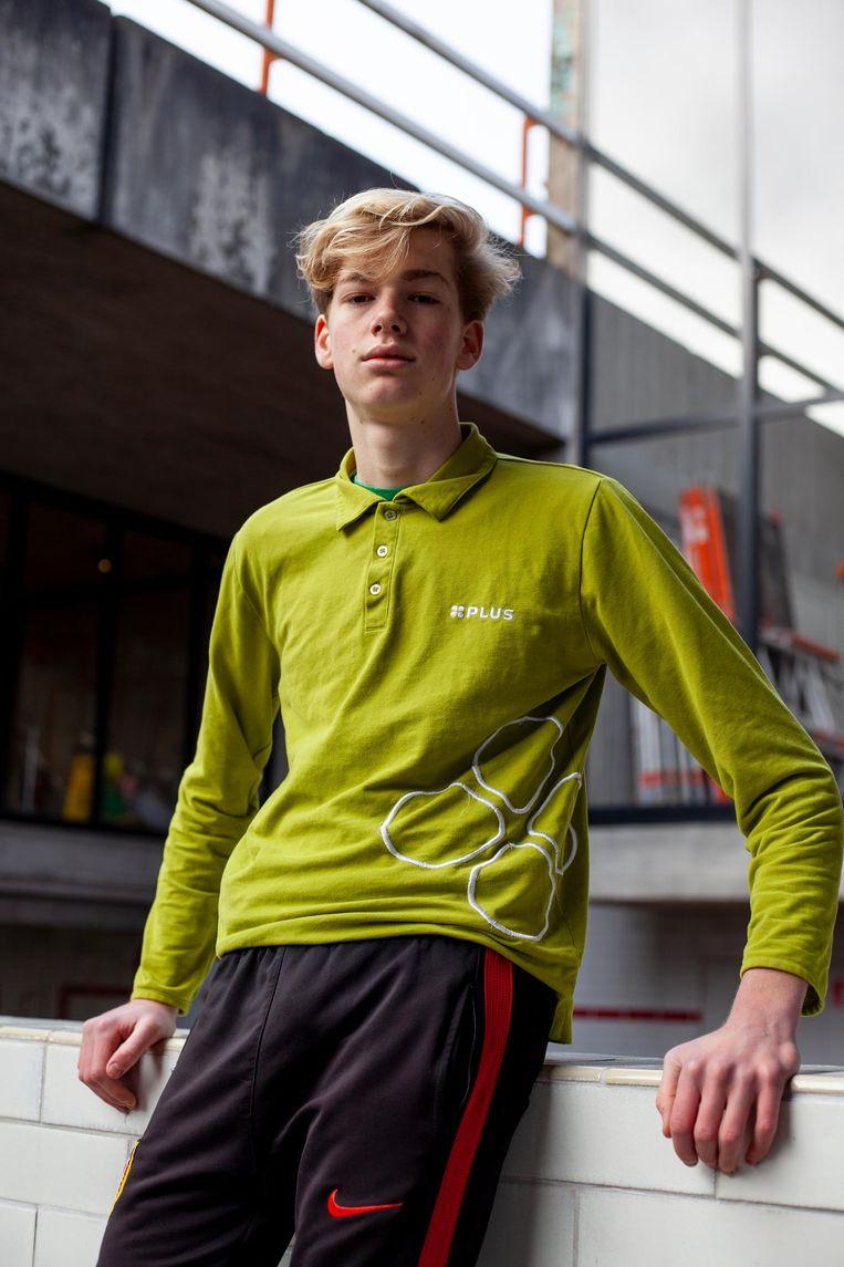Jacob Slagt in een polo van de supermarkt Plus Beeld Lin Woldendorp